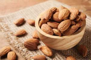 Magnesium-Rich Foods: Almonds